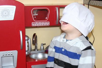 Ezra-little-chef3