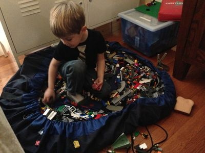 Ezra lego bag